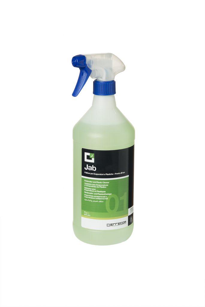 Jab-neagresivno čistilo za uparjalnike in plastične površine